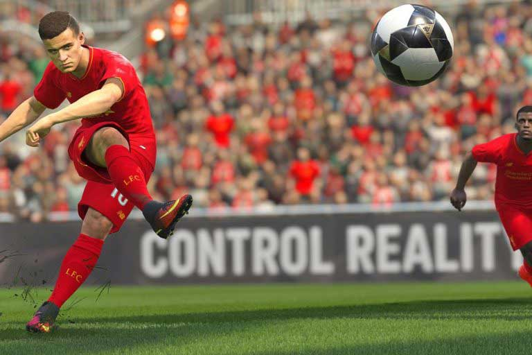liverpool-player-felipe-coutinho-shown-in-the-new-pes-2017-video-game-768x512